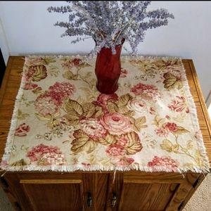 GROOVY GLAM Handmade Shabby Chic Table Topper